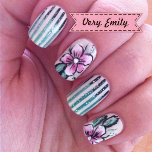 nailsbyveryemily:  Did you catch my latest blogpost featuring these floral nails?