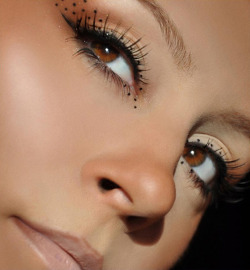 beautylish:  Last minute Halloween inspiration from Loredana E. - a cute and simple cat inspired look!