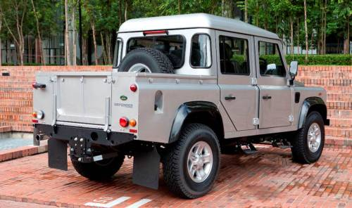 ro-hill:  Land Rover Defender 110 Crew Cab