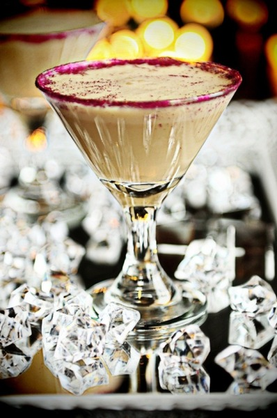 GODIVA MUDSLIDE MARTINI 1 oz vodka1 oz Godiva® chocolate liqueur1/2 oz Bailey's® Irish cream3 oz cream