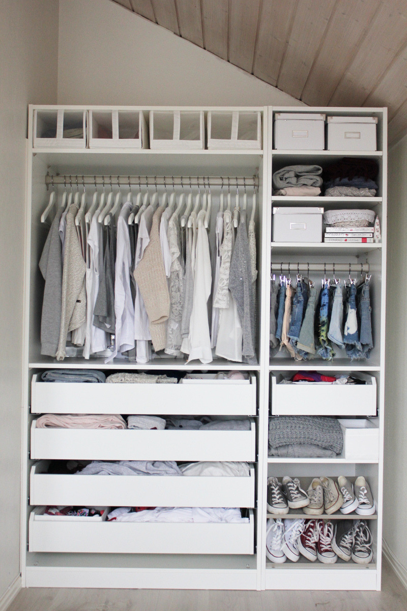 f-abulush:  evoleur:  Aurora mohn's closet is simply perfect  yes girl