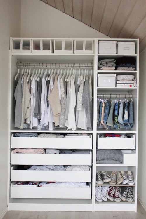 evoleur:  Aurora mohn's closet is simply perfect