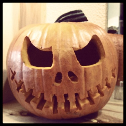 This is Halloween.. #jackskellington #halloween #pumpkincarving #pumpkin #thefigonthird #salon #hair (at The Fig On Third)
