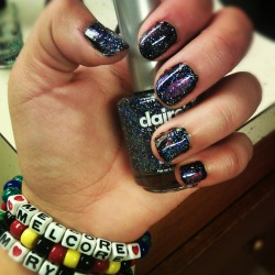latinafreckles:  Galaxy nails!