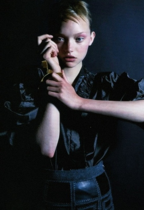 moldavia:  Gemma Ward in i-D October 2005 by Nick Knight
