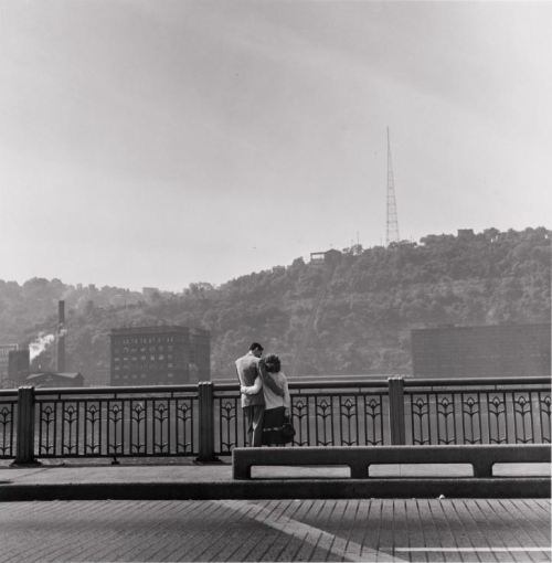Street Scene: Couple by the Monongahela River, 1950 Elliott Erwitt