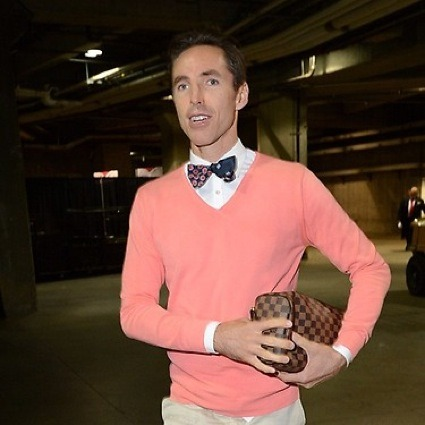 Steve Nash entrando no clima da cidade de Los Angeles..
