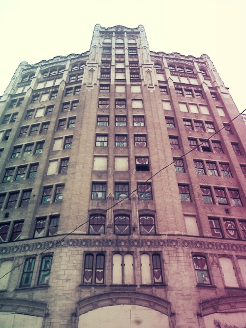 passittothemoon:  Some abandoned building in Detroit