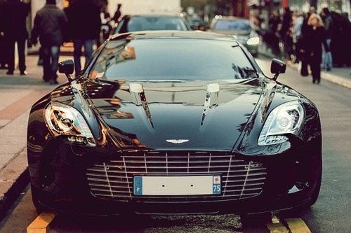 johnny-escobar:  Aston Martin One-77 via Julien