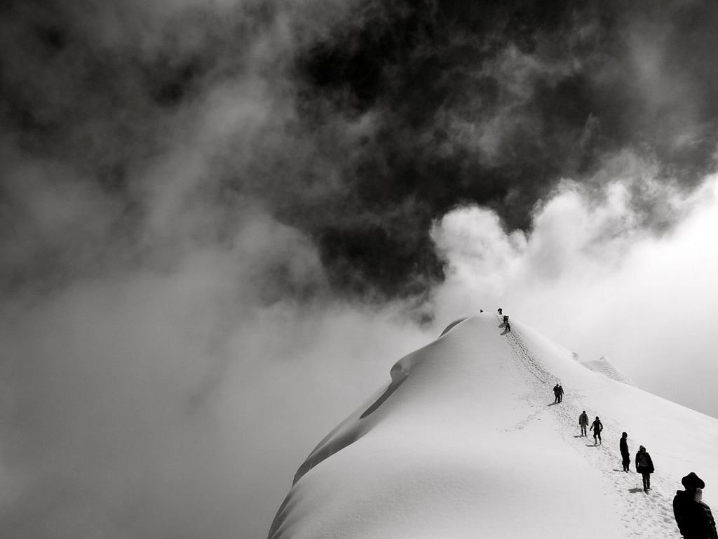 Summit Ridge (by newnumenor) Colombia (via cheershaveagreatnight:)
