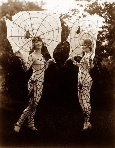 mydarling:  Spiderweb Ladies