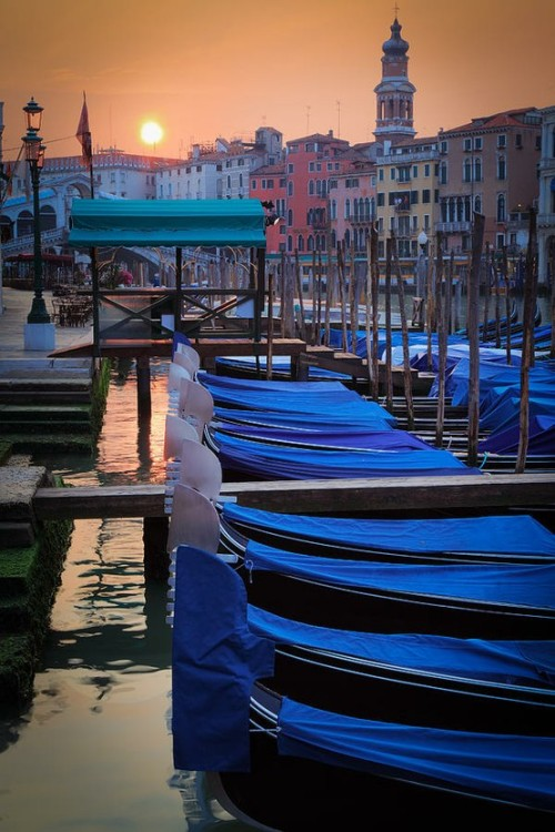 Sunrise, Venice, Italy photo via brian