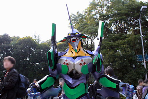 japancool:  Evangelion Unit 01 Cosplayer 2