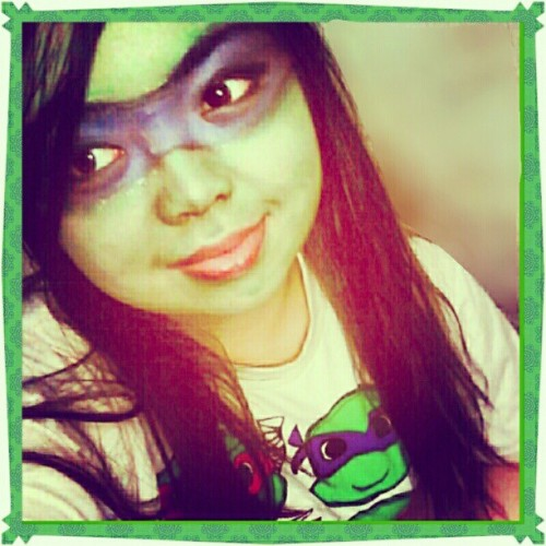 I AM A NINJA (lol…just messing with my makeup. Looked better in person) #thesteppie #TMNT #TeenageMutantNinjaTurtles #NinjaTurtles #facepaint #makeup #nyxjumboeyepencils #Halloween #turtles #turtle #Donatello #turtlesinahalfshell #turtlepower #cowabungadude