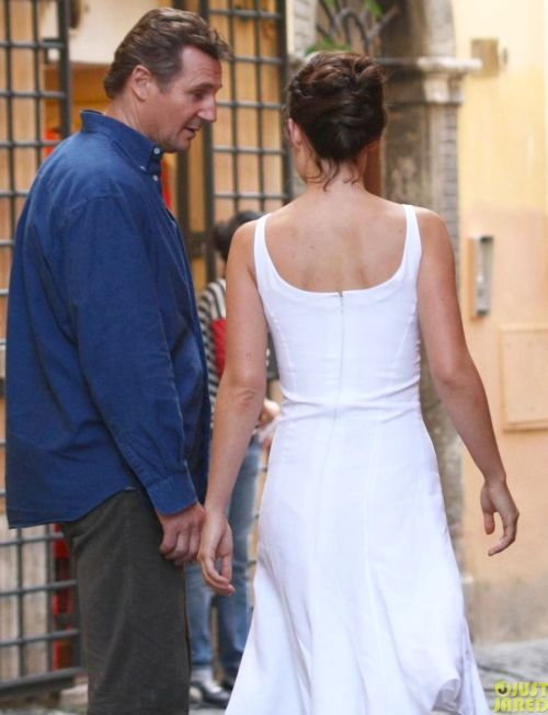 Olivia Wilde & Liam Neeson are filming scenes in Rome for the upcoming film The Third Person!