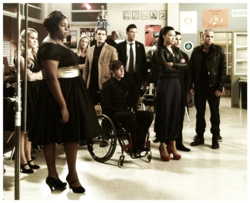 Santana is wearing some power pumps, OK!?