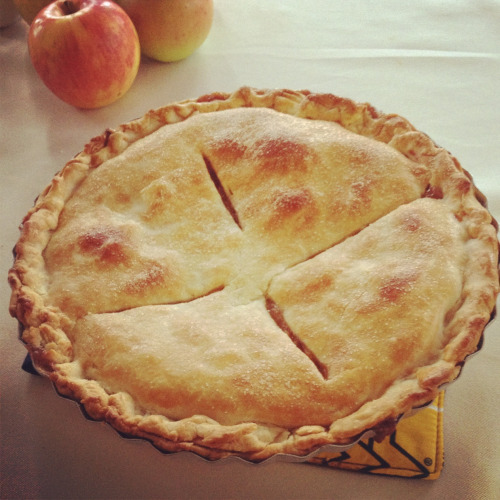 First attempt at apple pie during Hurricane Sandy. I've never made it before, but MAN will I be making this pie again sometime in the near future. #sodelicious