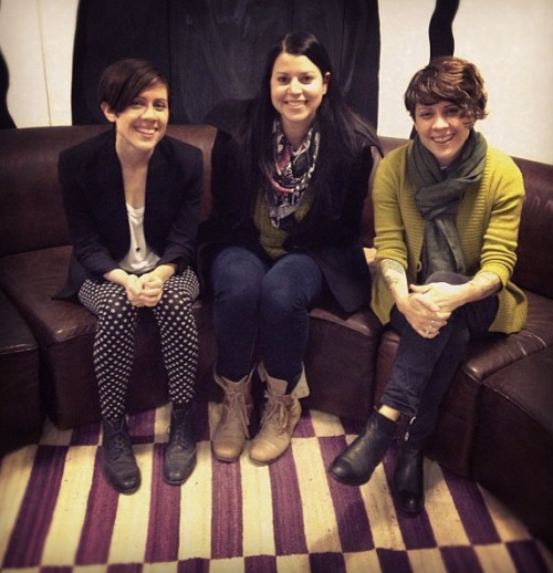 whattheeffingcrap:  I love what Tegan is wearing so much.
