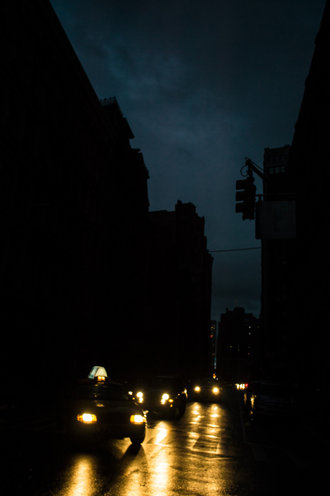 What's scarier than NYC traffic? Traffic without traffic lights. #Sandy