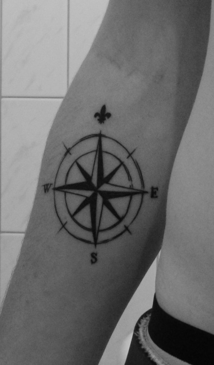 Compass tattooCaen, France - by Kups