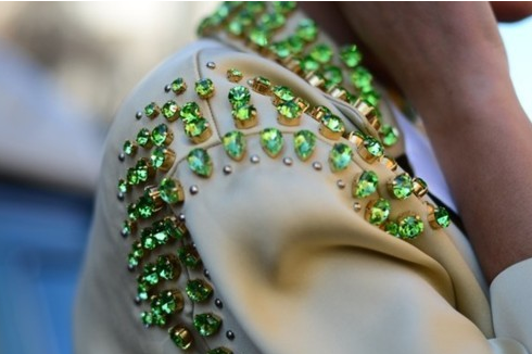 lulufrost:  BAUBLE OF THE DAY Green with envy.  Gorgeous