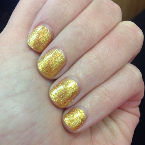 OPI Goldeneye Shellac Skyfall 007 Collection #mani #shellac #opi #007 #skyfall #goldeneye #gold #glitter #bblogger #bbloggers #halloween #october #dmv  (at Worldgate Nails)