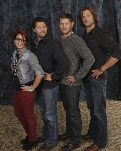 Me, Misha Collins, Jensen Ackles and Jared Padalecki. Supernatural Convention: Chicago 2012 Oct. 28. Went by so quick but it was the best <3