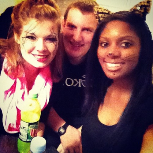 A kitty, ke$ha, and an Alex! #halloween #friends #party #nightlife #instagood #instalove #instamood #jj #iphonesia  (at Johann Justus Weg )