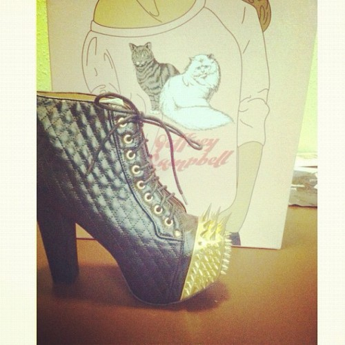 It was a good mail day❤😝 @jeffreycampbell @realmisskl #jeffreycampbell #fashion #shoeaddict