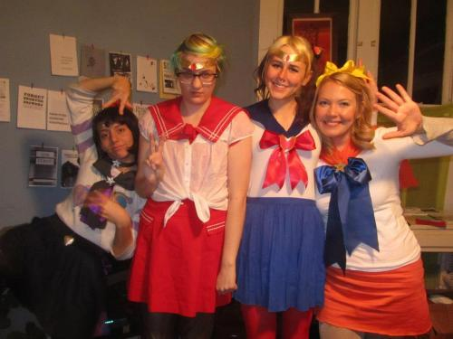 mystickynotes:  Sailor Scouts! <3  This year for Halloween we were sailor scouts! I made most of my Sailor Moon costume except the skirt, which I already had.   (Lonna took these photos too)  Sailor Scout babes 4ever.