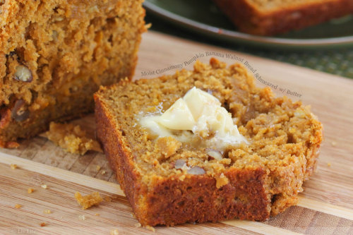 phoods:  (via Moist Cinnamony Pumpkin Banana Walnut Bread Schmeared with Butter « FoodPornDaily | Food Porn, Food Photography)
