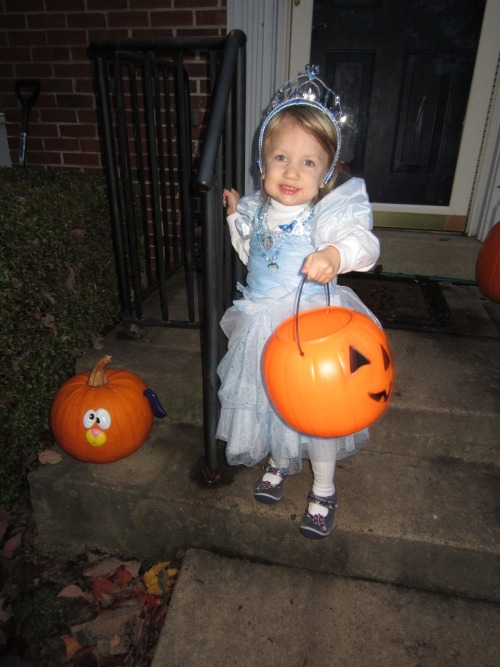 Trick or Treat! Cinderella found out that she's going to have a baby sister today!