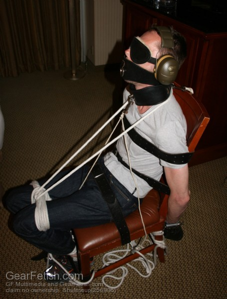 wolffairy:  bookofbaitnate:  Total immobilization. Complete sensory deprivation. A marvelous sensation.  Hot hehe