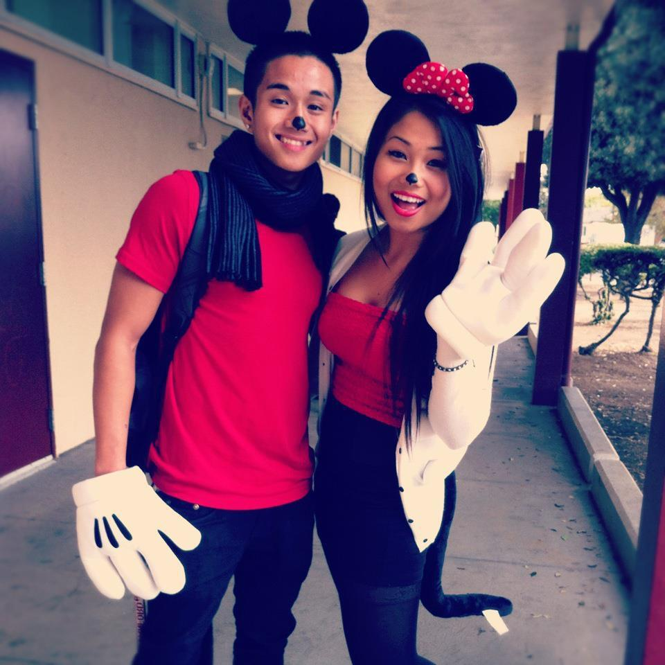 -kidsupreme:  fckyeahcutecouples:  Mickey and Minnie <3 @teedm   Follow my tumblr: -kidsupreme Follow my Instagram: _kidsupreme