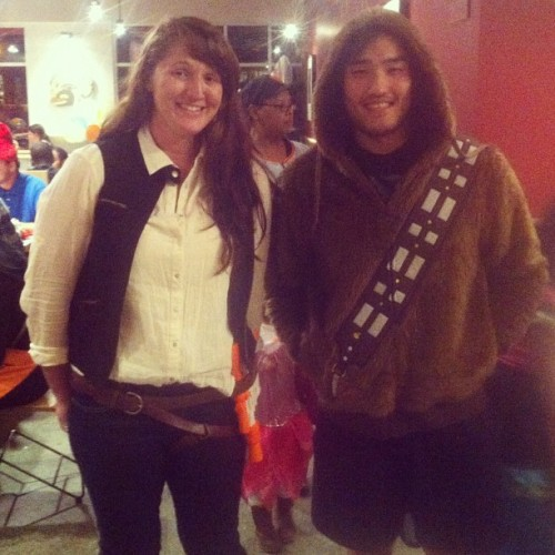 starwarsfuckyeah:  themelodyofhoth:  United at last  Look who I found at Chipotle :D CHEWY  THAT is AWESOME.