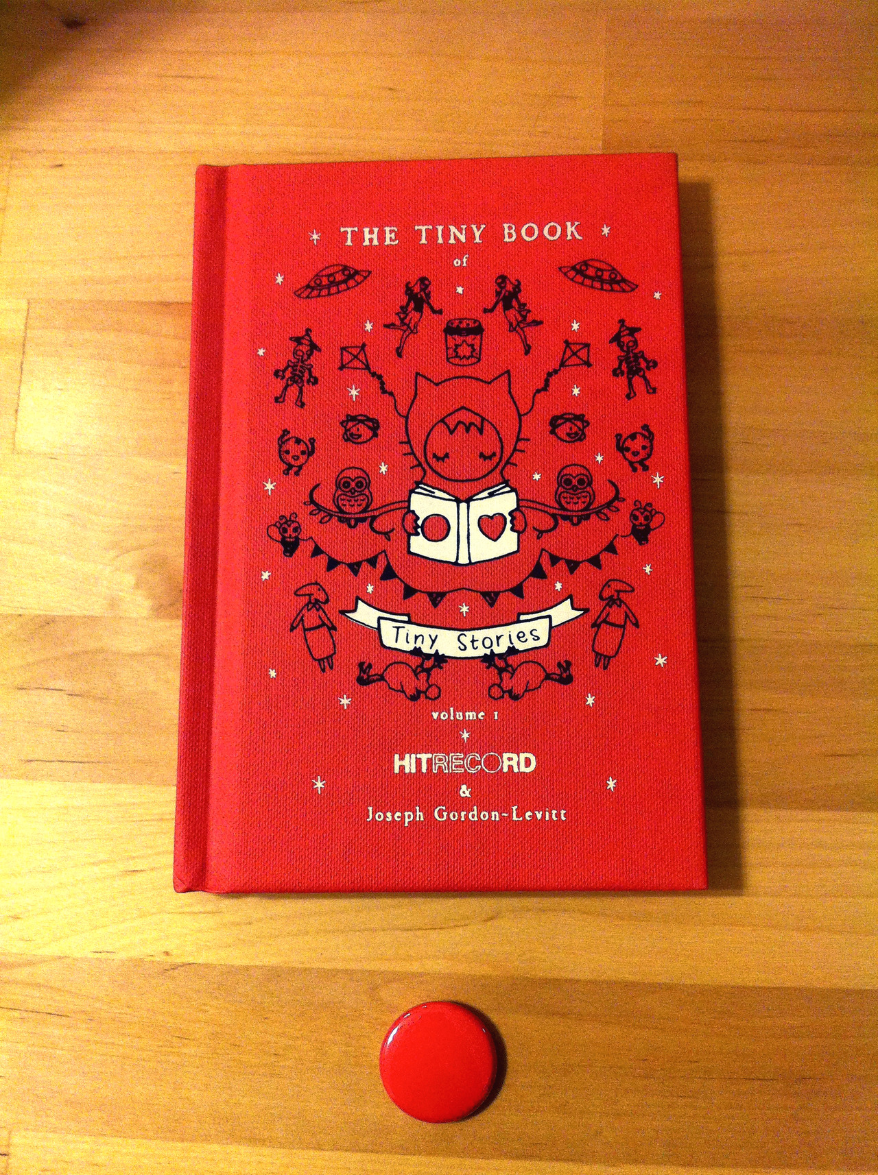 The Tiny Book of Tiny Stories arrived!  (✿ ♥‿♥)