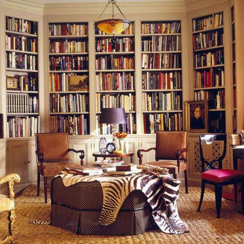 A chic and cozy reading room (via @Desiretoinspire). #interiors #design