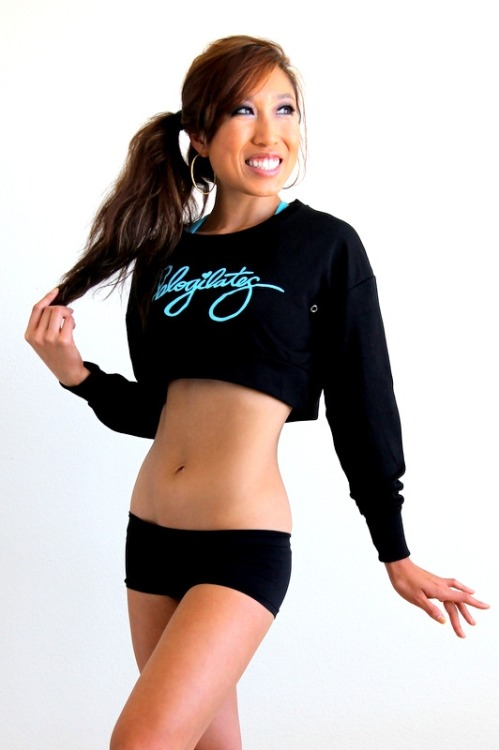 Nuts in November Calendar by Blogilates Thursday —- 20/20 + CORE ° New vid on BLOGILATES ° 20/20 workout printable ° 6 pack abs in 6 moves 9:24 ° Pop Pilates cinch that waist 8:18 ° Bikini Blastes 3: ABS ABS ABS 13:48 ———————————————————————————————————————- Blogilates Cropped Sweatshirt in Black ———————————————————————————————————————- Good Luck!