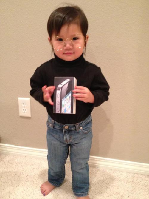 OK OK. We know it's November and Halloween is over, but we couldn't resist one more cute Halloween costume picture. Who knew Steve Jobs wore purple nail polish? (Photo via vyvytran on Reddit)