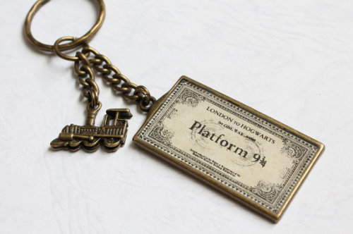 paperlanternlit:  If only this Hogwarts pass was real!! (via Locomotive and Train Ticket Key Ring by CissyPixie on Etsy)