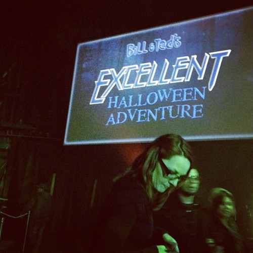 Bill and Ted's Excellent Halloween Adventure = a pop-clusterf**k of epic proportions.