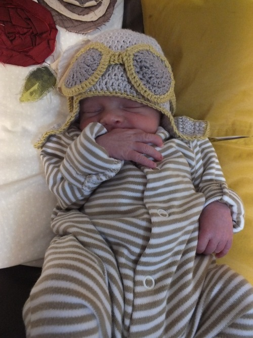 Aviator hat for the gorgeous bundle of loveliness that is Ted!  His mummy and pilot Dad seemed chuffed with it too!  Again, had no pattern, so just made it up as I went!