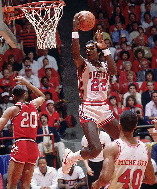 "Houston guard Clyde Drexler, a member of ""Phi Slama Jama"" glides to the hoop during a 1983 game. (Manny Millan/SI) GALLERY: Best NCAA Starting Fives"