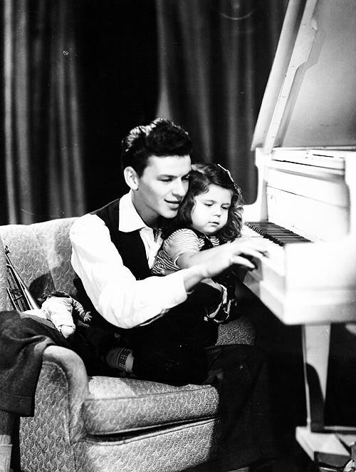 lonestar6:  Frank with a very young Nancy Sinatra
