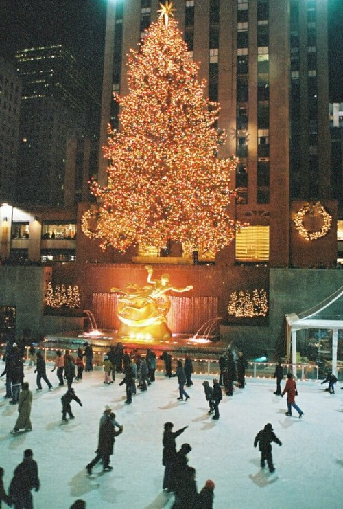 kvrrent:  Rockefeller Center at Christmas