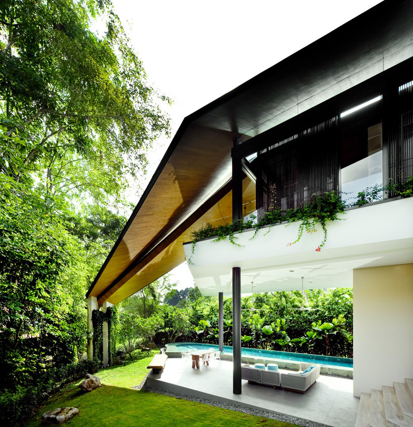 K2LD Architects I am completely in love with this winged house designed by K2LD Architects it's the perfect balance of indoor and outdoor space.