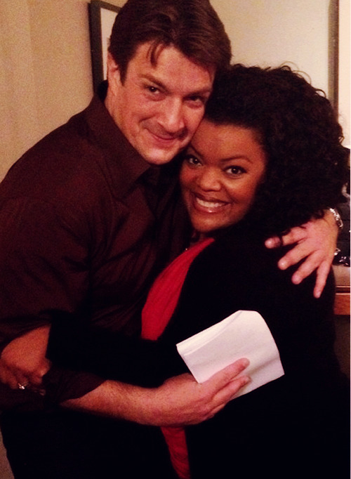 Yvette Nicole Brown: Look who I found roaming around stage 32! I'm gonna try to keep him! ;) @NathanFillion #Community (x)