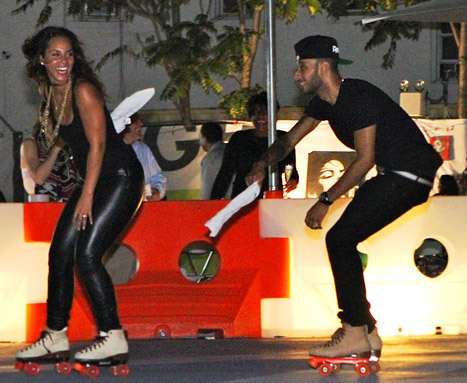 @Therealswizzz & @aliciakeys ice skating…pic is too cute