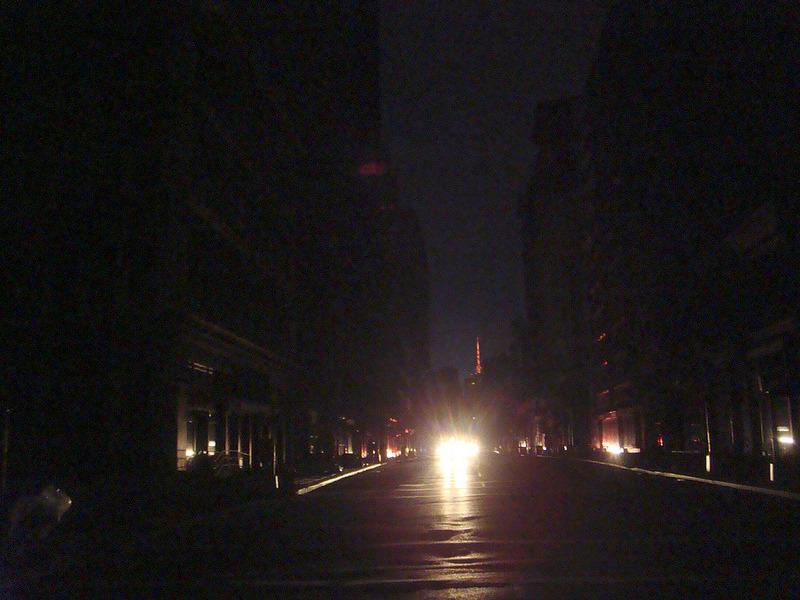 We walk like rats. I'm in the dark zone of Manhattan. Last night after walking home from Times Square I noticed something about the pedestrians as they criss-crossed the blacked-out streets— including myself.  Jay Rosen ‏@jayrosen_nyu  Third night on the dark end of Manhattan linked to the grid by iPhone. Spooky out there. People behave more like rats when streets go black.  Sources of light are sources of danger. It's a car or a bike headed at you, or a dad and a kid with a flashlight. And so as you're walking in the dark end of Manhattan you instinctively move away from the light when you see it. More like a rat would. (Photo credit Nate Sherman, under a Creative Commons License.)