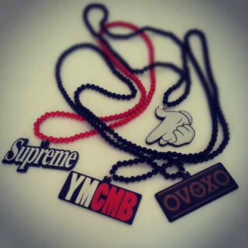 Supreme, YMCMB, OVOXO and Mickey Hands Gun -  Soza-store.com